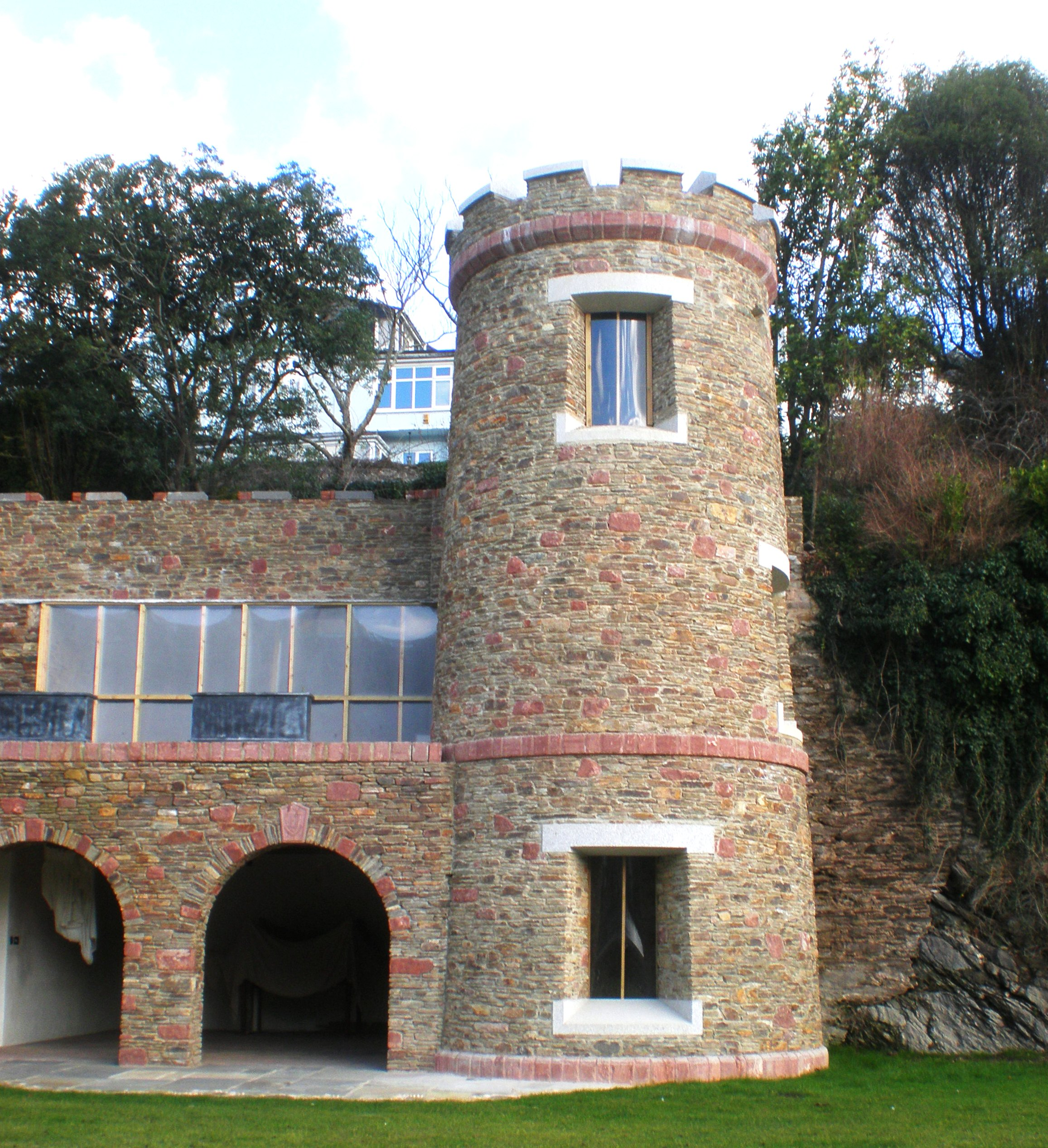 Extensions and alterations to a Grade II listed riverside property including traditional building features
