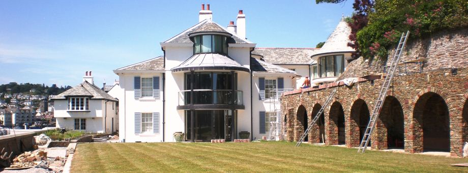 House extensions and alterations made to a Grade II listed riverside property in the South Hams
