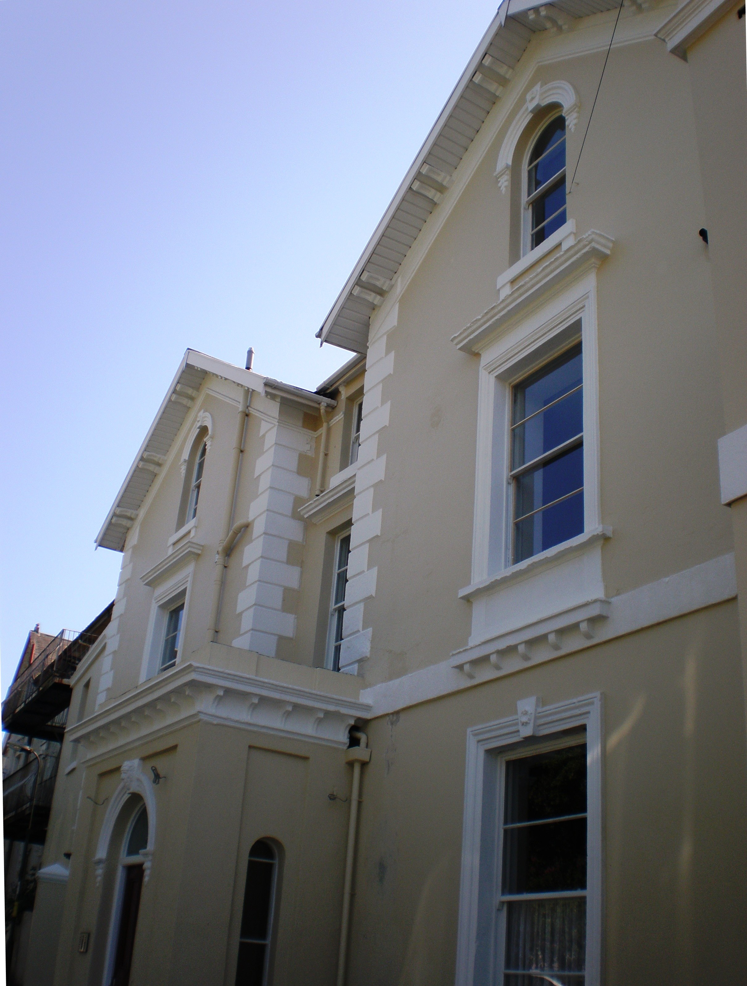 Front of the apartment building from Warren Road, Torquay